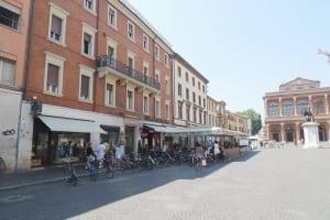 Rimini Cavour square cafes