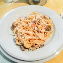 Restaurant vegan Cris pasta mushrooms