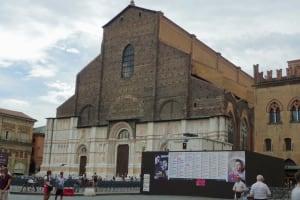 Bologna Bazilica San Petronio Maggiore square