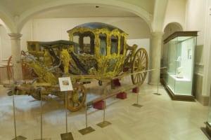 Museo Nacional de Cerámica carriage