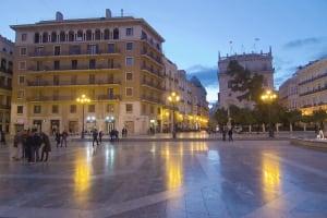 Plaza de la Virgen evening