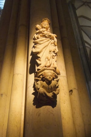 Cologne Cathedral female statue